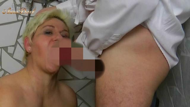 Annadevot - In der Dusche ins Maul gepisst