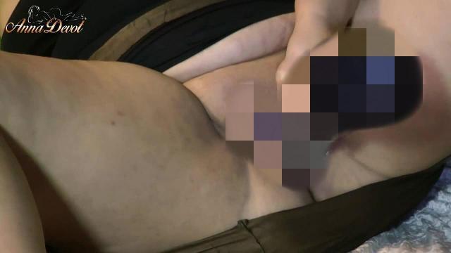 Annadevot - Masturbiert mit schwarzem Riesenpimmel