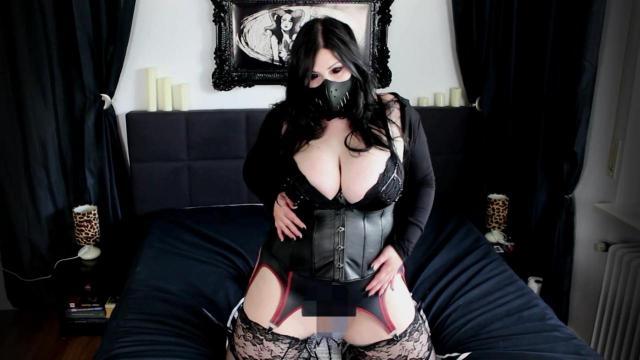Anal Exorzismus - Gothic Babe den Arsch vollgepumpt!