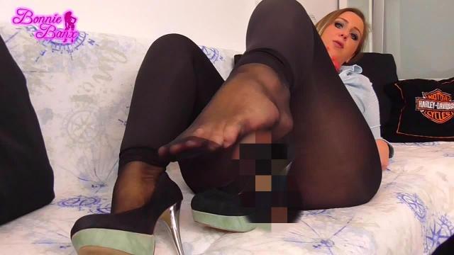 Sklave mach dein Maul auf! Sauberlecken ist angesagt!