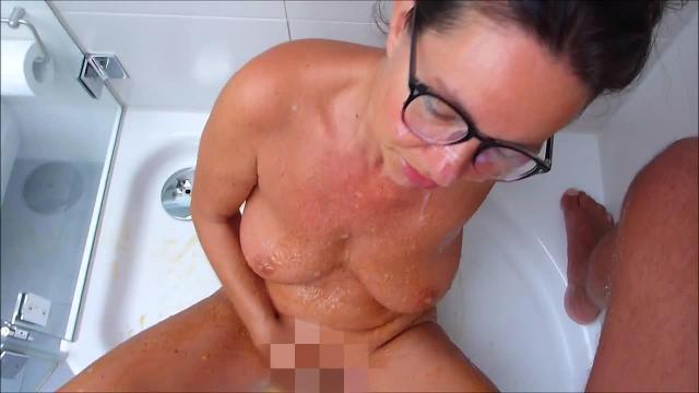 In der Dusche so richtig rumsauen, Teil 5