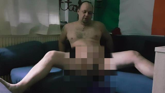 Couch Piss und Cum
