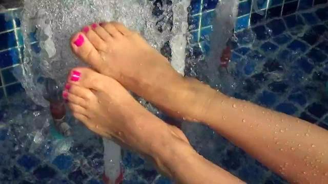 Schwimmbad füsse show