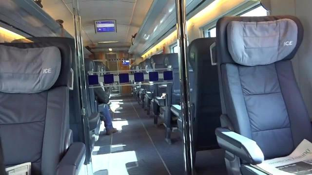 Public! Auf dem Klo kann jeder! Mega Blow im Zug!