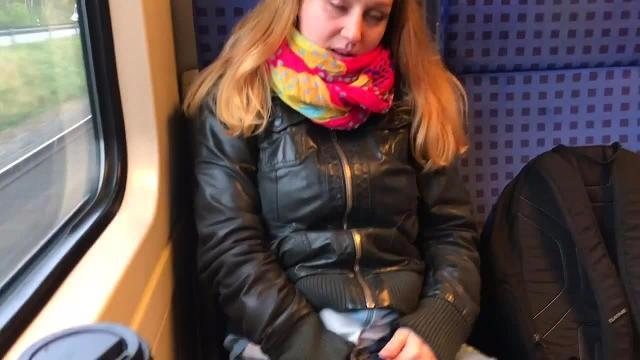 Public Blowjob in der Bahn / im Möbelhaus