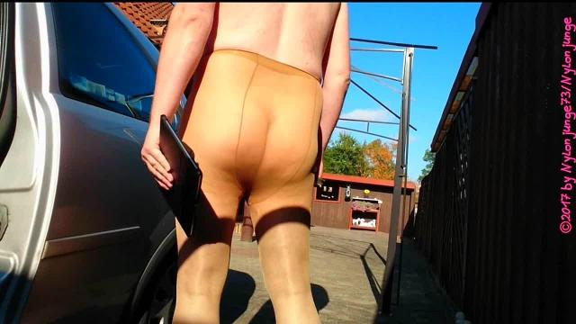 Outdoor in Strumpfhose ** Nylon FUN **