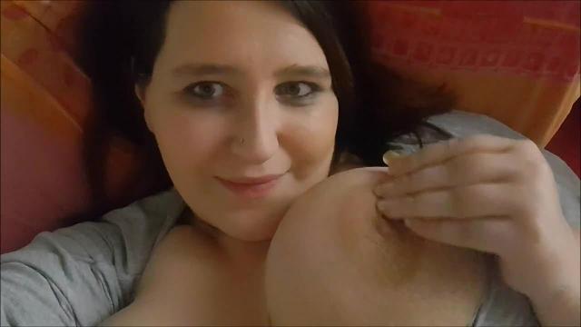 Süße Träume ;) - Meine großen Titten helfen Dir dabei