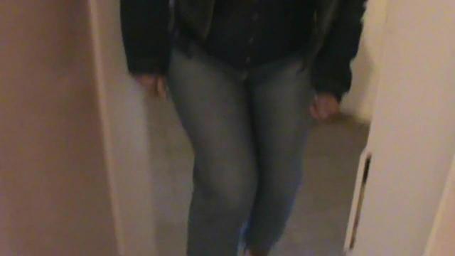Klo besetzt, in Küche durch meine Jeans gepisst ! !