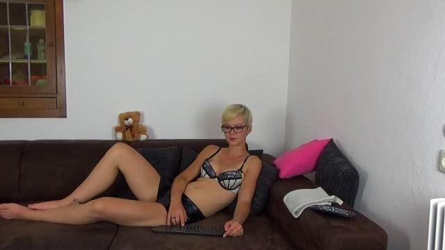 So liege ich auf dem Sofa
