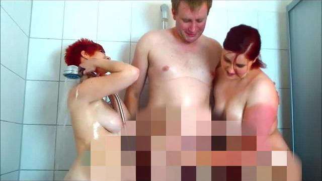 2 HeisseLuder und der geile Stecher beim Duschen...