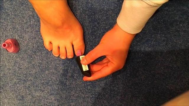 Fußnägel lackiert