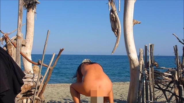 Wieder pissen am Strand