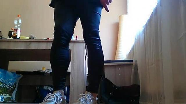 Sklave bezahle mir meine neuen Schuhe