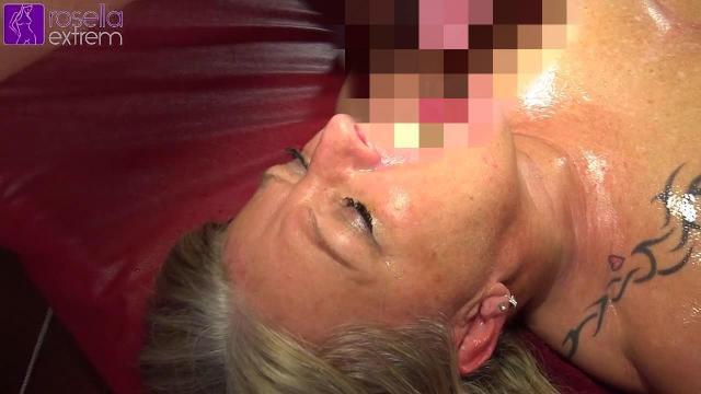 Mein GangBang in Holland, in einem Erotic Cafe! Teil 6! Sperma und Pisse!