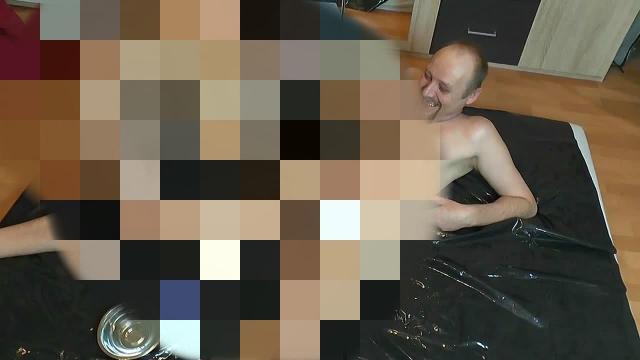 Boy rasiert den Schwanz von meinem Mann