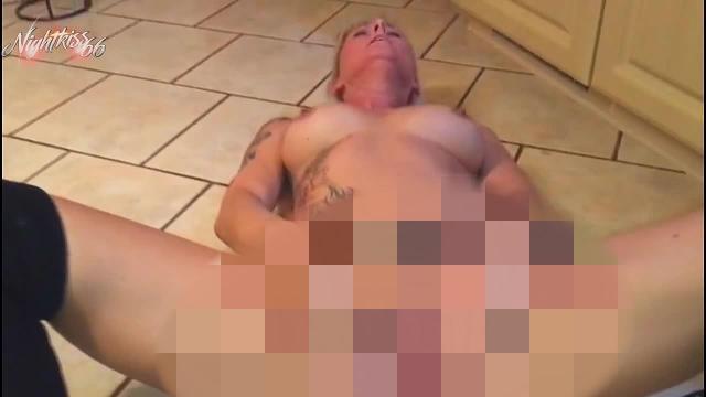 Extreme Unaufhörliche Pissfotze und zuckender Orgasmus!