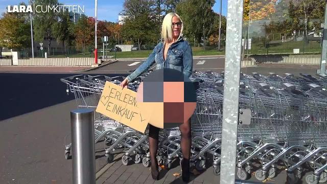 Billige Discounter HOBBY-HURE | Verbotener PUBLIC FREMDFICK vor dem Supermarkt