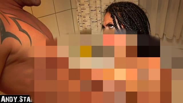 Arsch und Fotze in der Badewanne durchgefickt im Haus ihrer Eltern