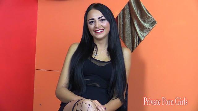 Porno-Casting mit dem Model Celin 19j. - Teil 1 von 2