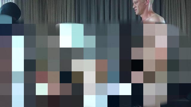 Gag Ball Schlampe - gnadenlos gefickt von 2 XXL Schwänzen