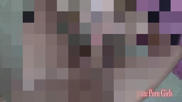 Süsse Studentin Nina 19j. Hardcore-Sex auf Stuhl - Teil 2 von 3