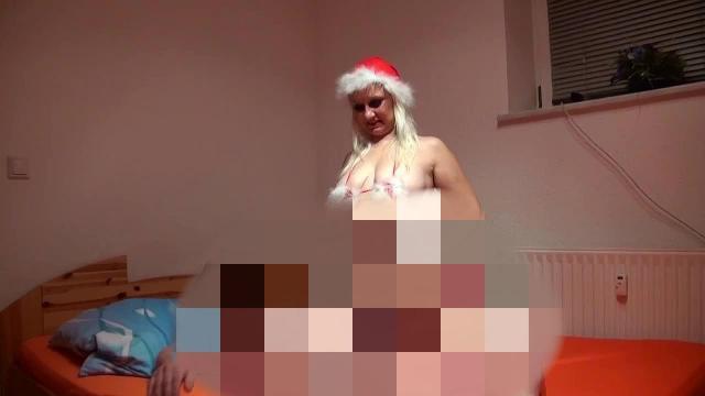 Deine Weihnachtsfrau wird vollgespritzt