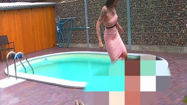 Erniedrigung am Pool