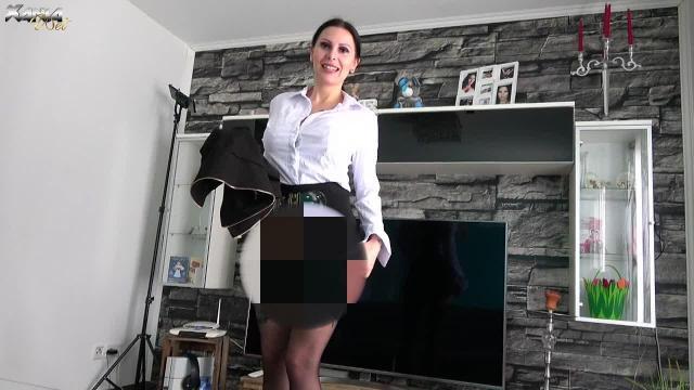 Userwunsch: Heisse Milf macht den Lehrer ein unmoralisches Angebot! Handjob!