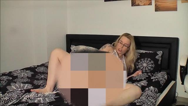 Heiße Bikinaction   eingeölter Orgasmus