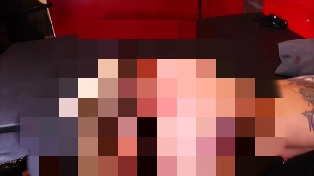 Lesbenshow mit Gangbang