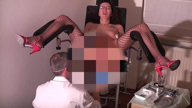 Der geile Frauenarzt - Spezialbehandlung