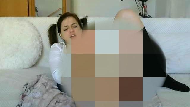 Orgasmus einer Studentin!!