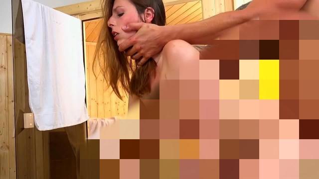 Anale Fickparty mitten in der Sauna!