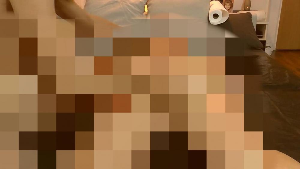 Kumpel massiert mich mit Massagegel 1 mit sweetdesire