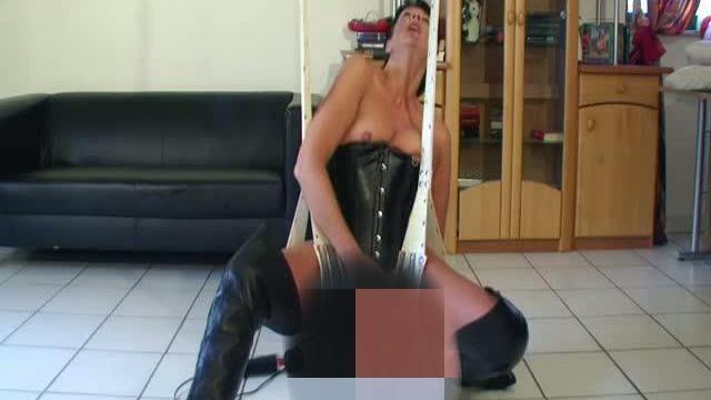 Magisch geile Gummihand anal